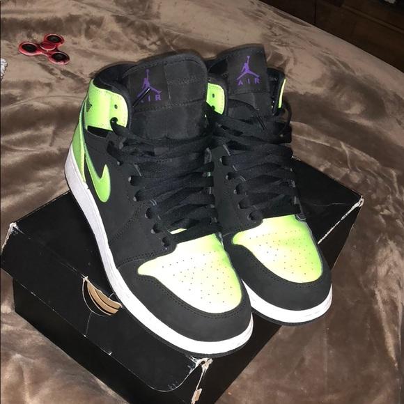 Jordan Shoes | Ghost Green S | Poshmark